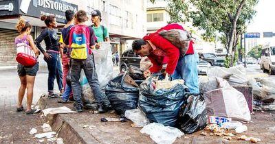 A. Latina desperdicia  toneladas de alimentos