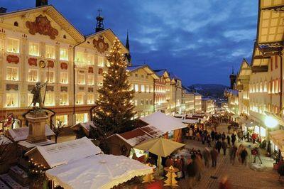 Turismo en Alemania: puente colgante, arte de EEUU y mercado navideño