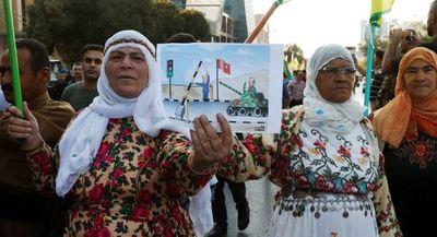 La ONU alerta que más de 70.000 sirios dejan sus hogares por la operación turca