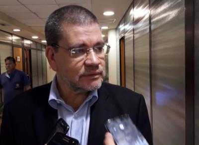 A Mario Abdo no le entra bala para cambiar a ministros, según Antonio Barrios