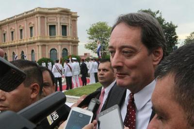 Embajador norteamericano pide a las autoridades luchar contra la corrupción