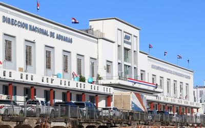 Grave denuncia de acoso sexual contra funcionario de Aduanas de Paraguay en Montevideo
