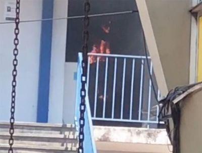 Incendio en la Facultad de Filosofía de la UNA