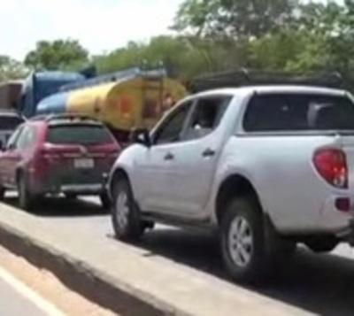 Espera infernal: Indígenas protestan y cierran Puente Remanso