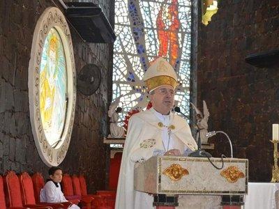 """""""No nos dejemos alquilar la cabeza"""", dijo Monseñor sobre los LGTB"""