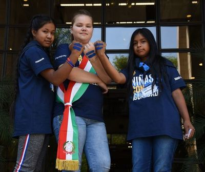 Embajada de Italia y BID cedieron el poder a las niñas