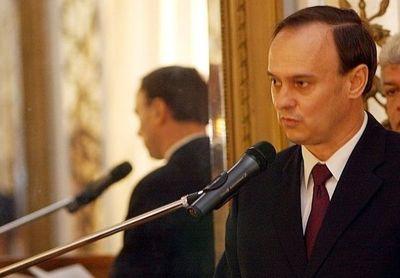 Consejero de Itaipú renuncia y Ejecutivo anuncia destituciones masivas