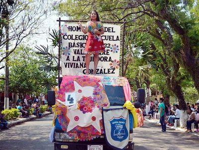 Feria artesanal, desfile de carrozas y peña del  ñandutí, en Itauguá