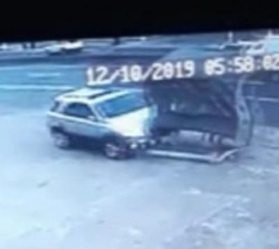Camioneta atropella parada de bus y deja 4 personas heridas