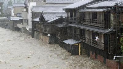 Japón activa la alerta máxima por lluvias ante la llegada del tifón Hagibis