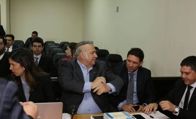 HOY / González Daher y su hijo obtienen permiso para ir a trabajar