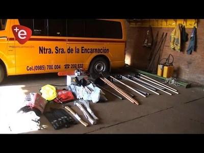 BOMBEROS AMARILLOS RECIBEN EQUIPOS DE EE.UU