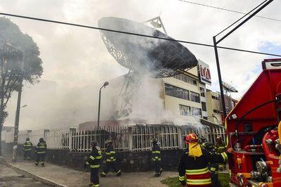 Ecuador impone el toque de queda y la militarización de Quito