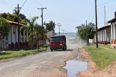 Pirayuenses piden asfalto sobre empedrado