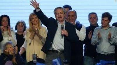 Alberto Fernández sacó una gran ventaja y a Mauricio Macri se le complica la reelección