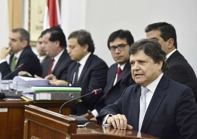 Abdo designa a Euclides Acevedo como nuevo ministro del Interior