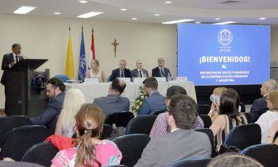 Ministro Ramírez Candia disertó en encuentro internacional