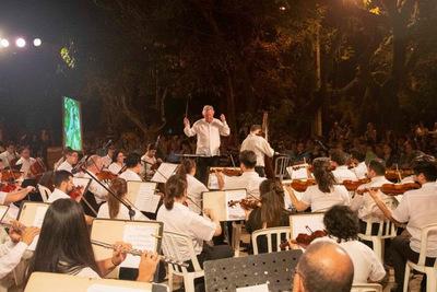 "La OSCA presenta ""Música para volar"" en Villamorra"