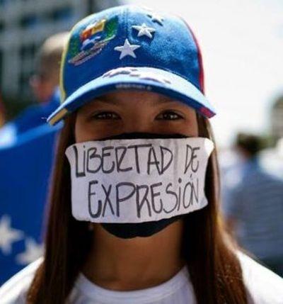 Opositores venezolanos marchan para exigir referendo revocatorio contra Maduro