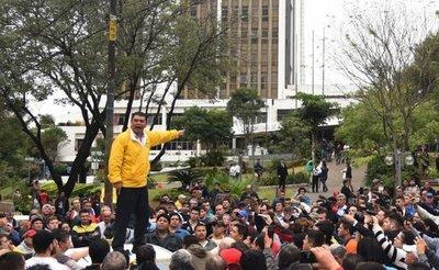 Audio: presidente de APTA amenaza con sanciones a taxistas