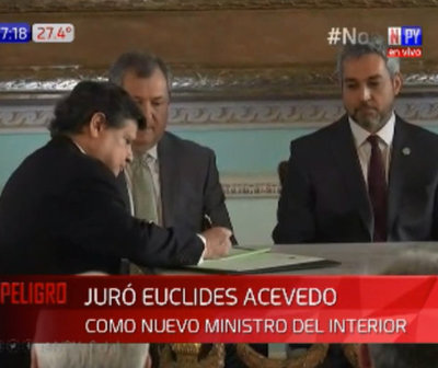 Euclides Acevedo asume como nuevo ministro del Interior