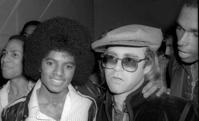 """HOY / Eran amigos, luego no, Elton John sobre Michael Jackson: """"Un enfermo mental, un perturbado"""""""
