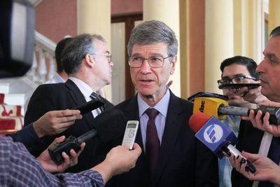 Jeffrey Sachs admite que Paraguay debe encarar la renegociación como dueño de la mitad de la energía de Itaipu