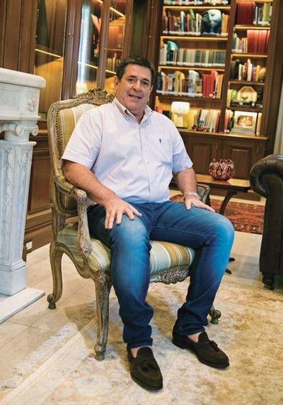 Horacio Cartes niega hablar de drogas en entrevista con Financial Times y reconoce como error intentar buscar la reelección
