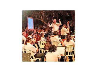 Canto de las aves suena en Villa Morra de la mano de la Sinfónica de Asunción