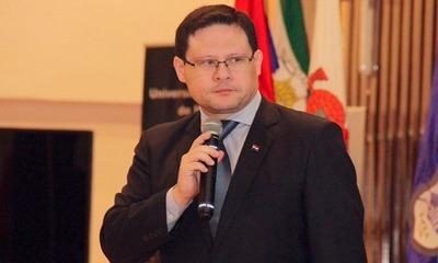 Viceministro niega reparto millonario de multa entre funcionarios de Tributación