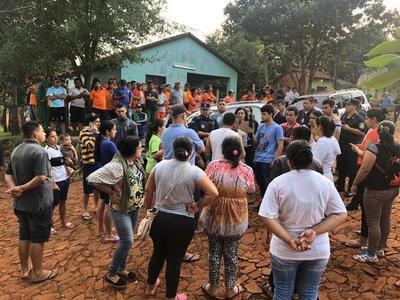 Desalojan a familias que viven en plaza de CDE