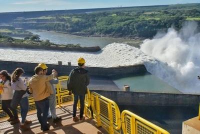 Itaipu recibió casi 500 mil visitas en lo que va del año