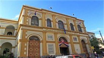 Critican repartija de multas para funcionarios