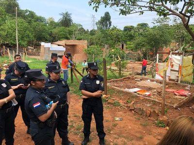 Desalojan a ocupantes de plaza en CDE