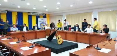 Concejales liberales hicieron el vacío a hijo de González Daher que vuelve a la Junta Municipal