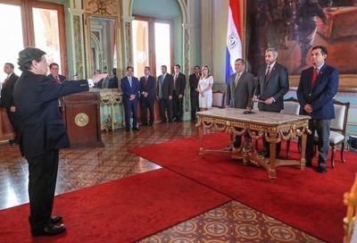 Titular de la Corte en juramento de nuevo ministro del Interior