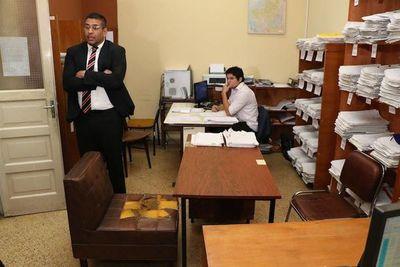 Piden juicio político para Defensor del Pueblo