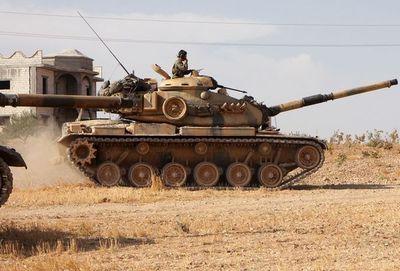 El ejército de Siria entra en la ciudad clave de Manbij para frenar el avance de los turcos