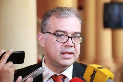 Ullón perderá su banca como concejal si no se presenta a la Junta de Asunción