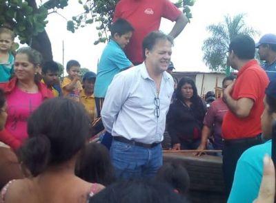 Acusan a ex gobernador Pedro Gonzales de financiar invasiones de tierras