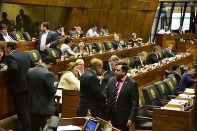 Entre despilfarros y repartijas, los legisladores enferman el sistema