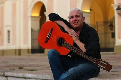 Dani Moreno canta en festival de Costa Rica