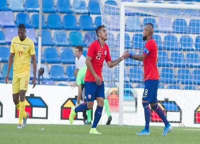 Deslucido Chile gana