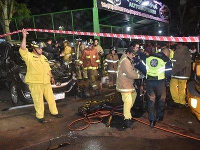 Conductor de vehículo queda herido tras triple choque en Acceso Sur