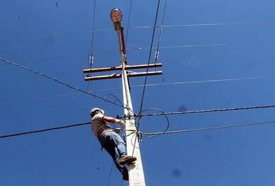 ANDE repara más de 360 alumbrados públicos en Asunción y alrededores