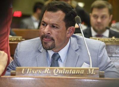 """Ulises Quintana dice que solo la """"chuchicracia"""" no lo quiere"""