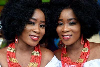 """Los gemelos de Nigeria: de """"diabólicos"""" a bendición"""