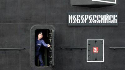 Por qué submarinos rusos merodean los cables de Internet en el océano Atlántico