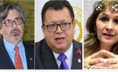Jueces que liberaron a ex policía abusador son suspendidos