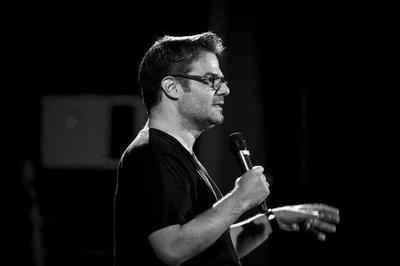 Influencer venezolano presenta show de stand up en el Teatro Latino